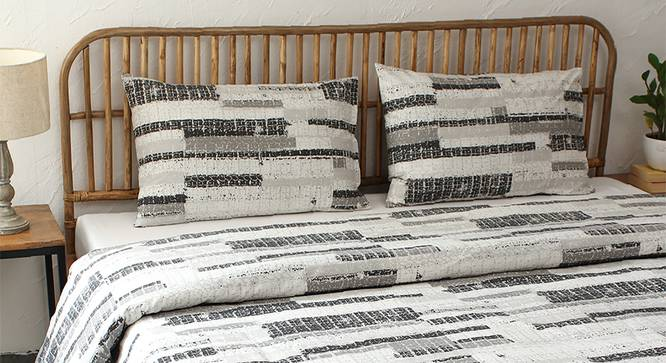 Glitch Duvet (Black, Double Size) by Urban Ladder - Design 1 Full View - 301914