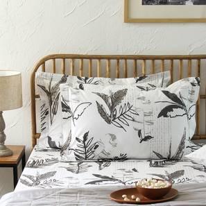 Vanam Bedsheet Set (Grey, King Size) by Urban Ladder - Front View Design 1 - 308963