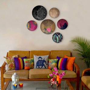 "Indian Elegance Set of 8 Wall Plates (Round Shape, 20 x 20 cm (8"" x 8"") Size) by Urban Ladder - Design 1 - 315408"