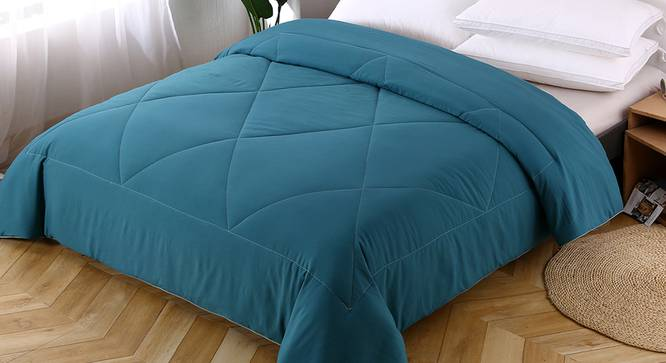 Beatrice Comforter (Teal, Solid Pattern) by Urban Ladder - Design 1 Top View - 323347