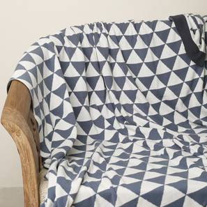 Triangulos throw queens blue ivory with titanic grey border lp