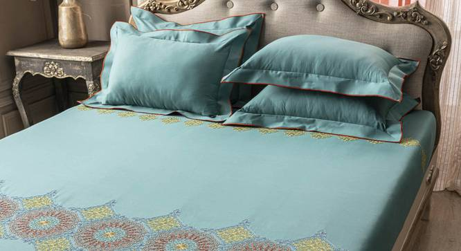 Dev Bedsheet Set (Turquoise, King Size) by Urban Ladder - Front View Design 1 - 332728