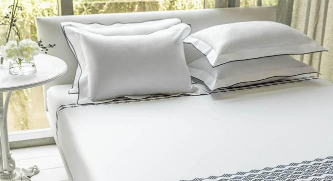 Cyrus Bedsheet Set (SLATE, King Size) by Urban Ladder - Design 1 Half View - 338935