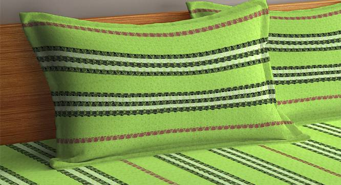 Hank Bedcover (King Size, Parrot Green) by Urban Ladder - Cross View Design 1 - 382436