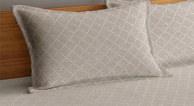 Lachlan Bedcover (Grey, King Size) by Urban Ladder - Cross View Design 1 - 382685