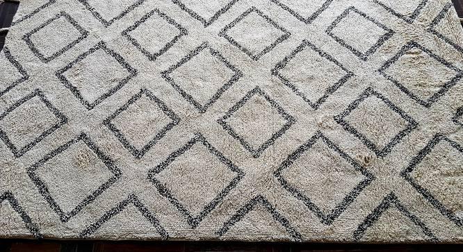 "Arnie Carpet (Cream, Rectangle Carpet Shape, 60 x 90 cm  (23"" x 35"") Carpet Size) by Urban Ladder - Front View Design 1 - 384130"