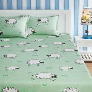 Tierra Bedsheet Set (Green, Queen Size) by Urban Ladder - Front View Design 1 - 406501