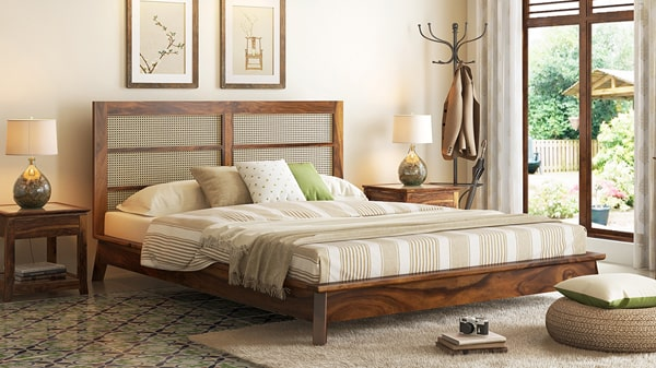 King size bed designs for the best sleep.