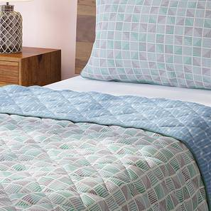 Overlay Quilt (Single Size, Multi Colour) by Urban Ladder